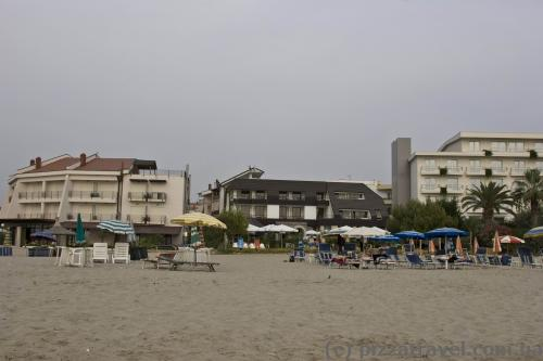 Beach hotels in Durres