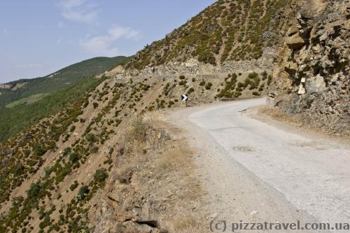 Участок дороги между Krume и Kukes