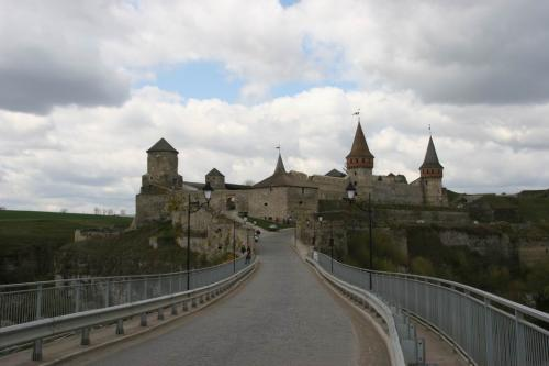 Brigde to the castle