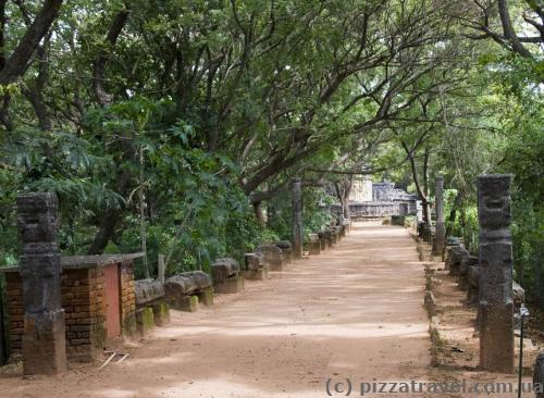 Path to the Nalanda Gedige Temple