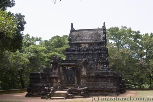 Буддийский храм Наланда Гедиге