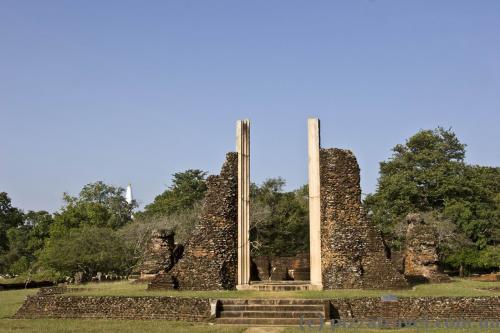 Развалины древнего города возле Джетавана ступы