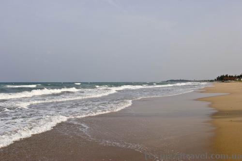 Пустынные пляжи в Нилавели