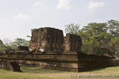 Ruins of the royal palace of Parakramabahu I (Weijantha Prasada)