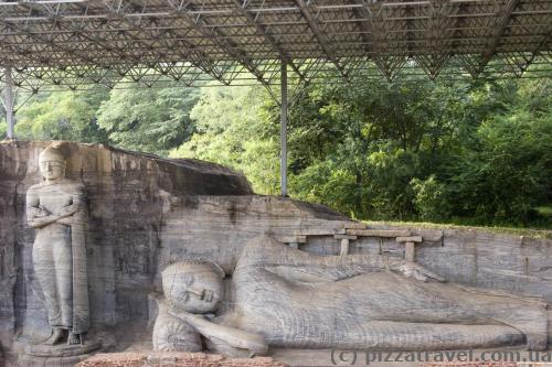 The reclining image, which depicts the Buddha's parinirvana, is the largest in Gal Vihara.