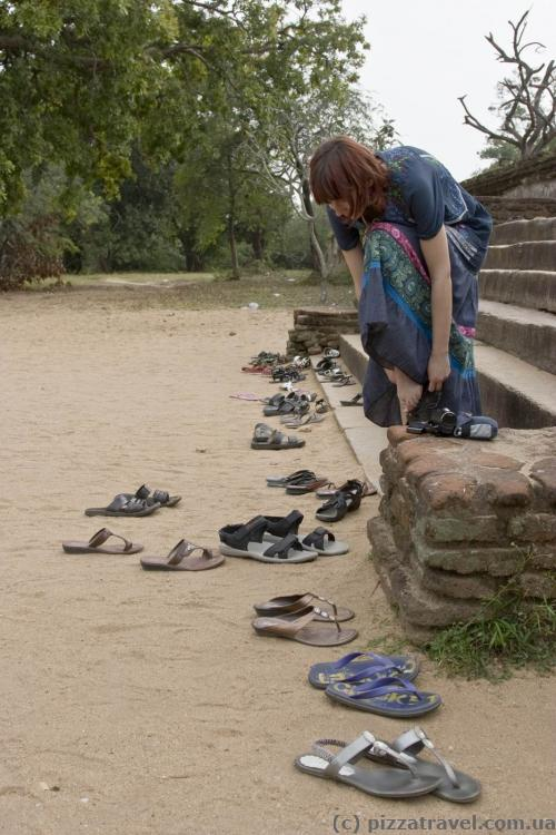 Don't forget to take off your shoes before entering the temple