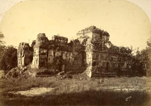 Ruins of Polonnaruwa in colonial times
