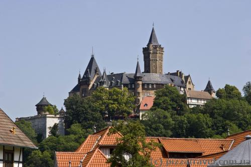 View of the castle from the Am Grossen Bleek street