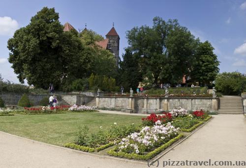 Небольшой парк в замке Кведлинбурга