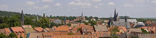 Вид на Кведлінбург з оглядового майданчика в замку