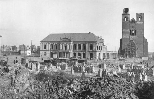 Market Square in 1945