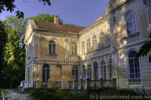 Дворец Фредро в селе Вишня