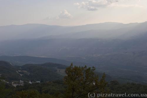 Вид от монастыря