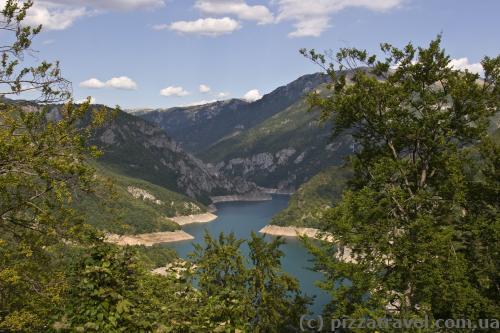 Пивское озеро