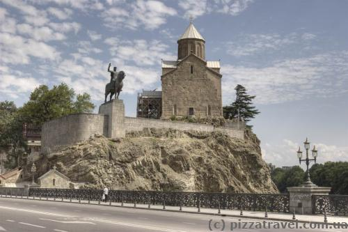 Monument to Vakhtang Gorgasali and the Metekhi Church