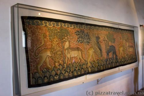 Любопытно, что в те времена люди знали, как выглядят львы.