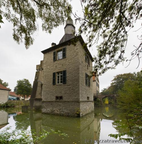 Дом на воде Дельвиг (Haus Dellwig)