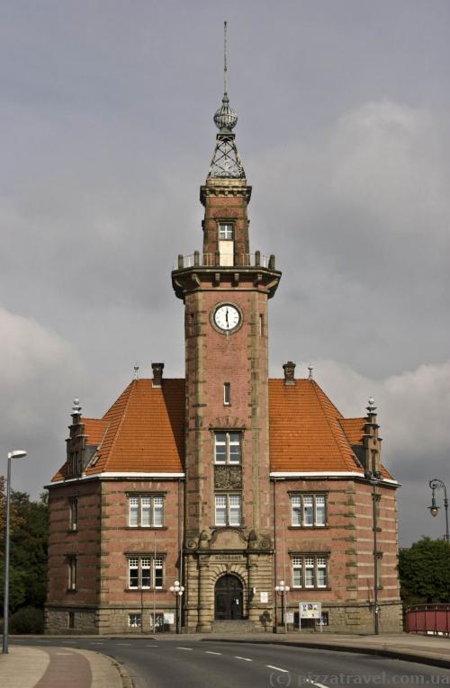 Здание администрации порта