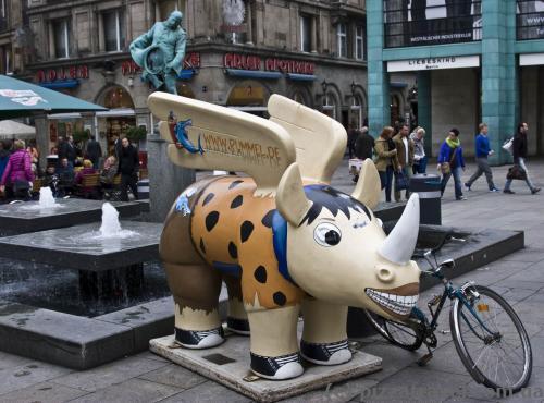 Символ Дортмунда - летающий носорог