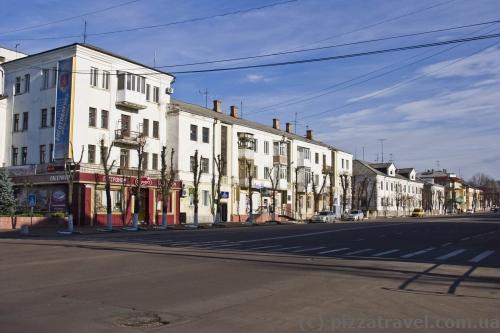 Центральна вулиця Грушевського у Коростені