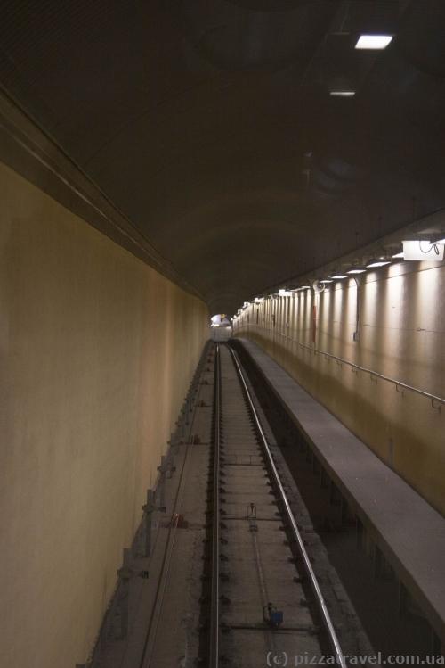 Горизонтально-вертикальный лифт в Генуе