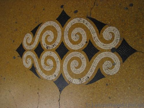 Мозаики на улицах Генуи