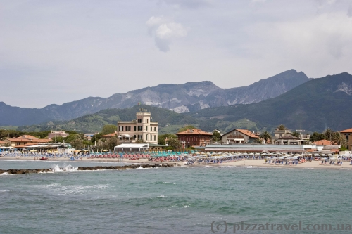 Beaches in Marina di Massa