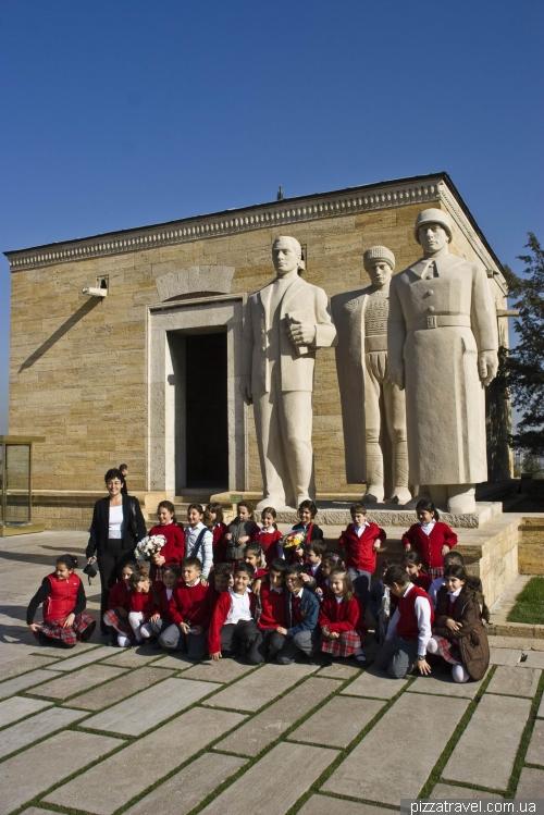 Мавзолей Мустафы Кемаль Ататюрка в Анкаре