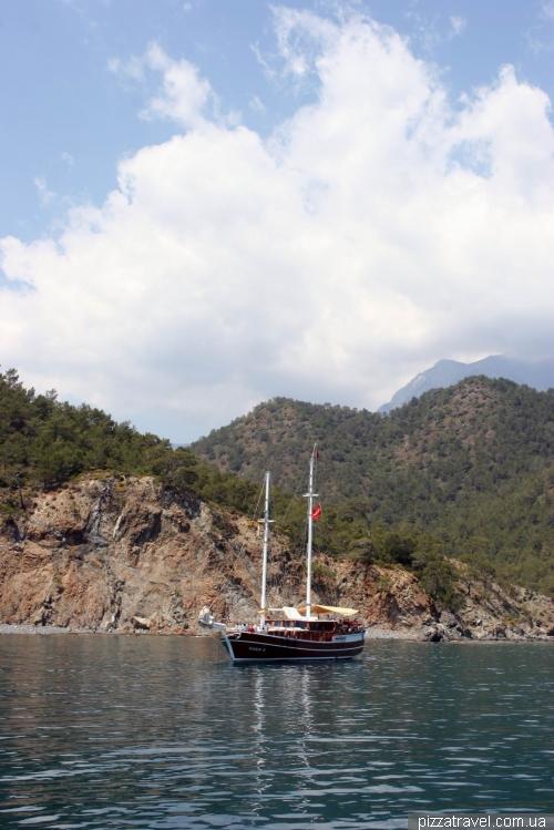 Прогулянка на кораблі з Кемера