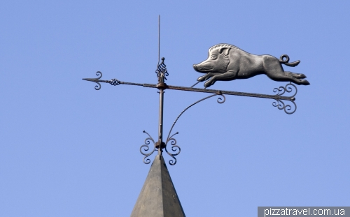 Weathervane on the hunting lodge