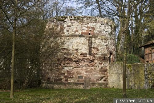 Башня Diekturm в Айнбеке (примерно 1500-й год)