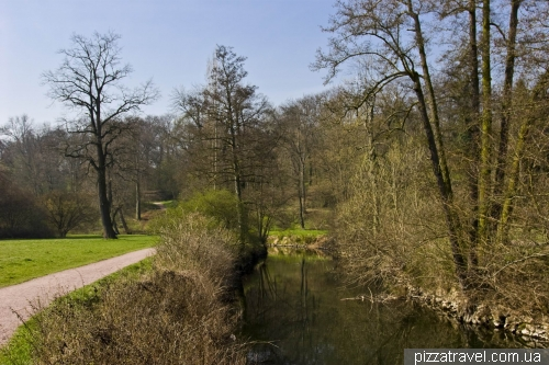 Park on the Ilm river in Weimar