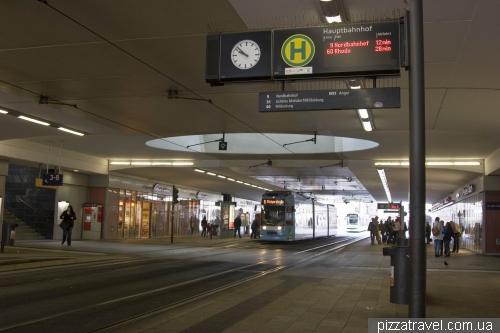 Трамвайная остановка на вокзале Эрфурта