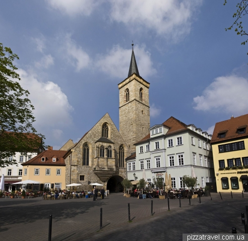 Small market square in Erfurt