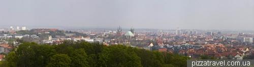 Вид на Эрфурт из парка ЭГА