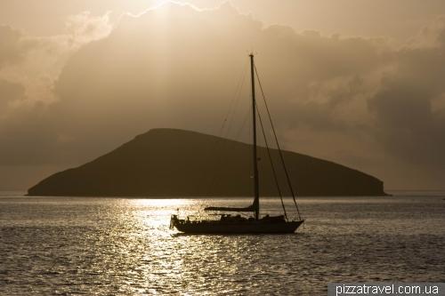 Sunrise near the Chinese Hat island