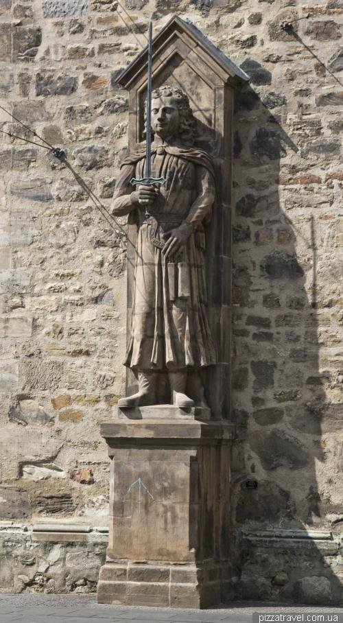 Статуя Роланда в Халле