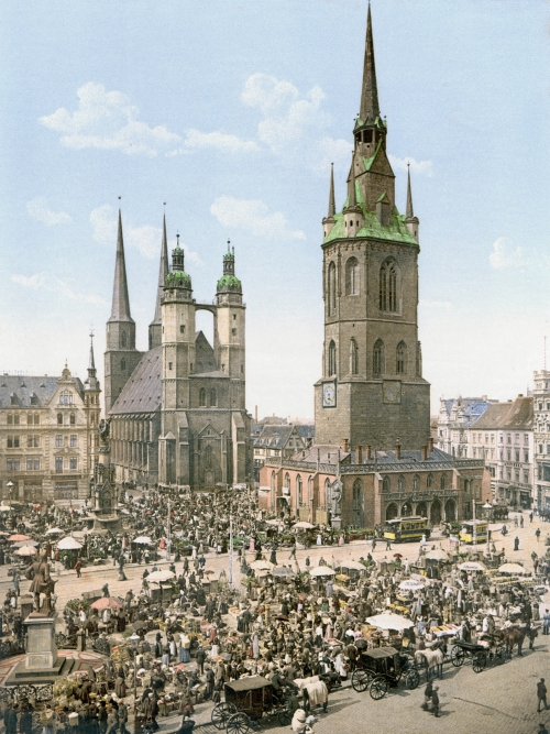 Market Square in Halle (1900)