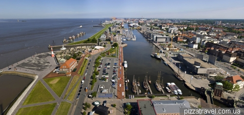 View from the observation deck in Bremerhaven