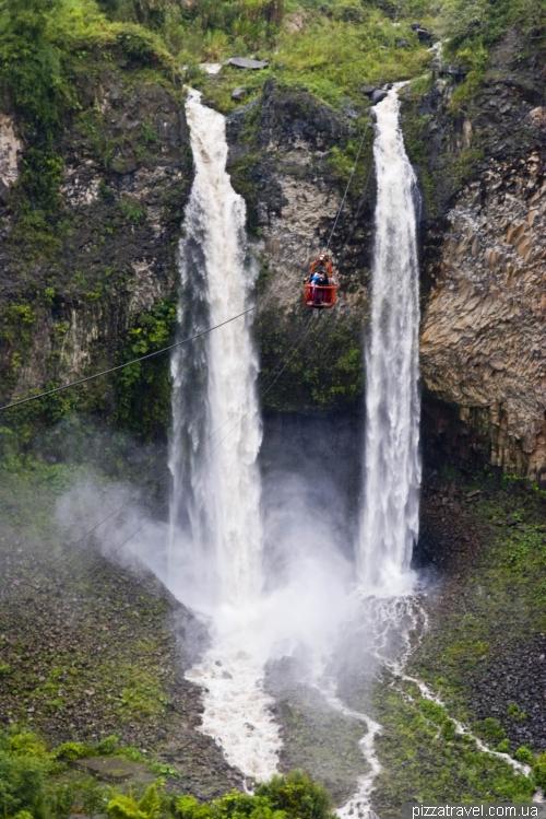 Водоспад Cascada El Manto de la Novia