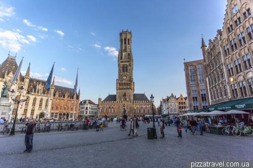 Ринкова площа в Брюгге