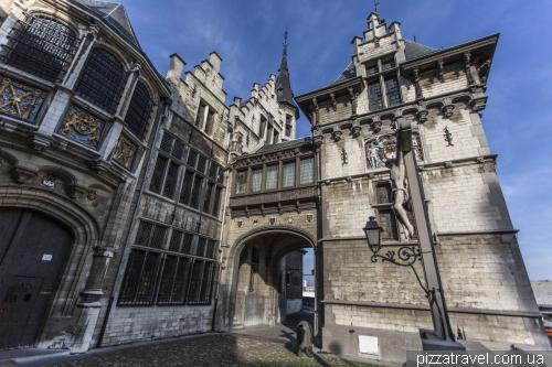 Средневековый замок Стен