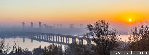 Вид на Київ від Батьківщини-Матері
