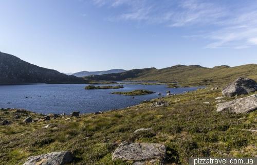 Озеро Alnesvatnet