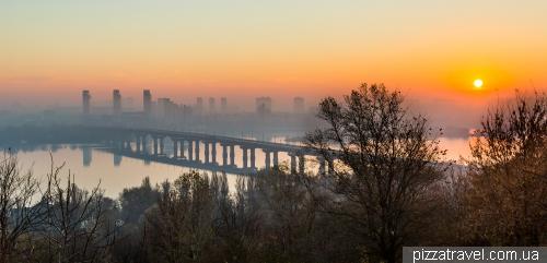 Вид на Киев от Родины-Матери