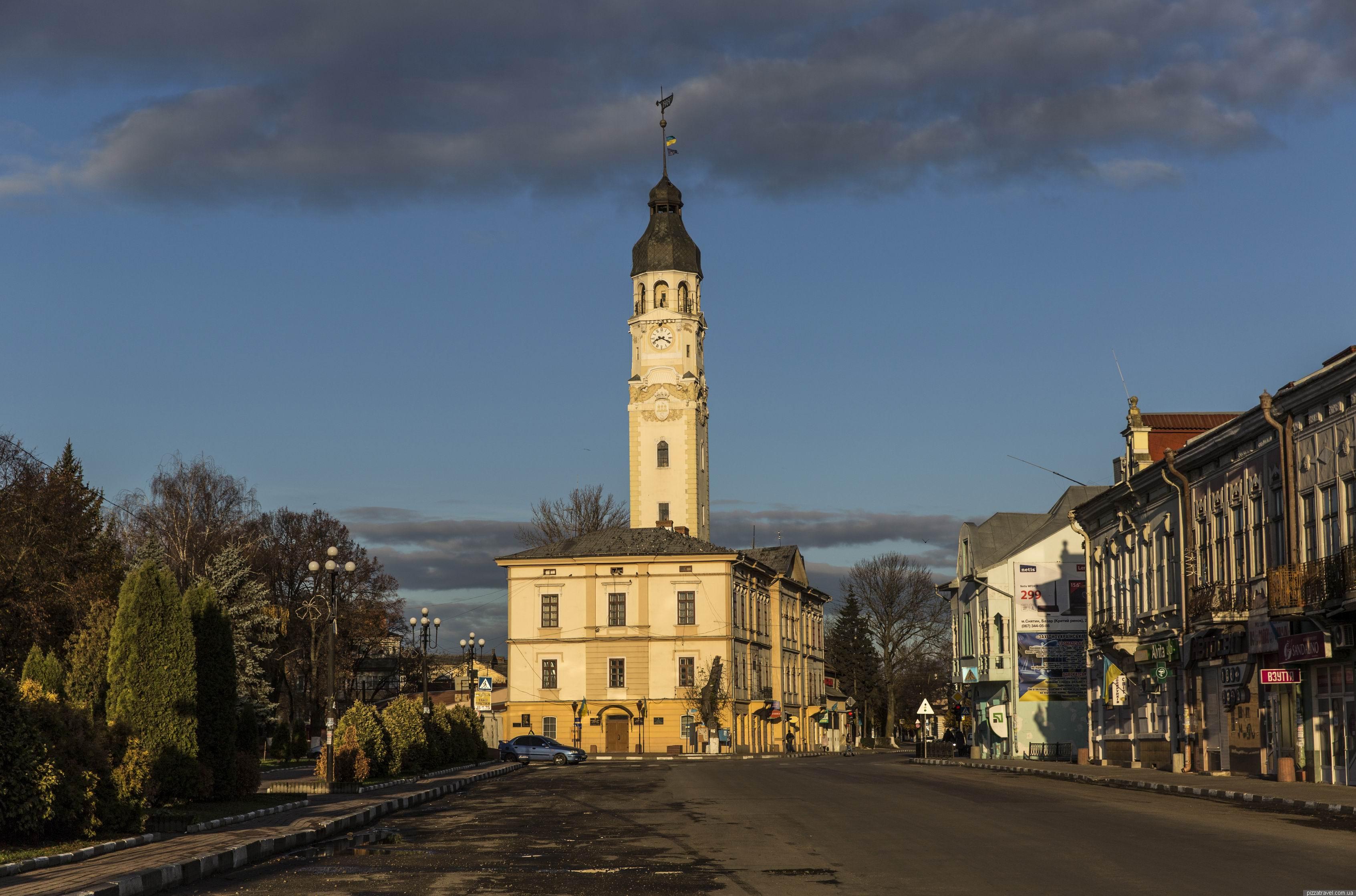 Мажоритарка у 89 окрузі: Хто збирається у Верховну Раду від Снятина, Косова та Верховини