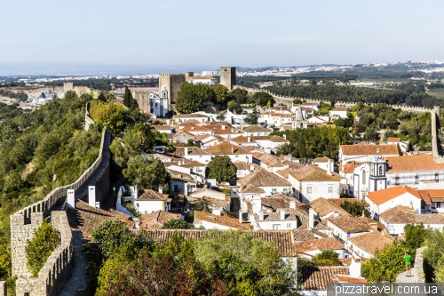 Obidos, walls of XII-XIV centuries., length - 1565 meters
