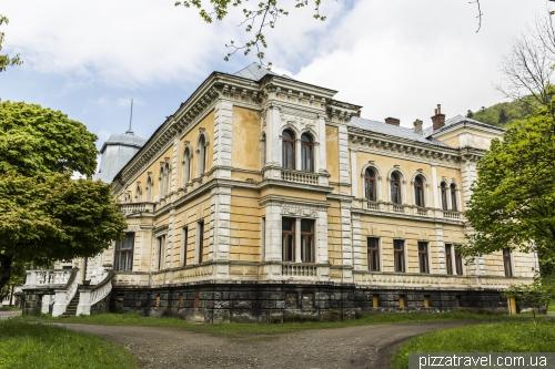 Дворец баронов Гределей
