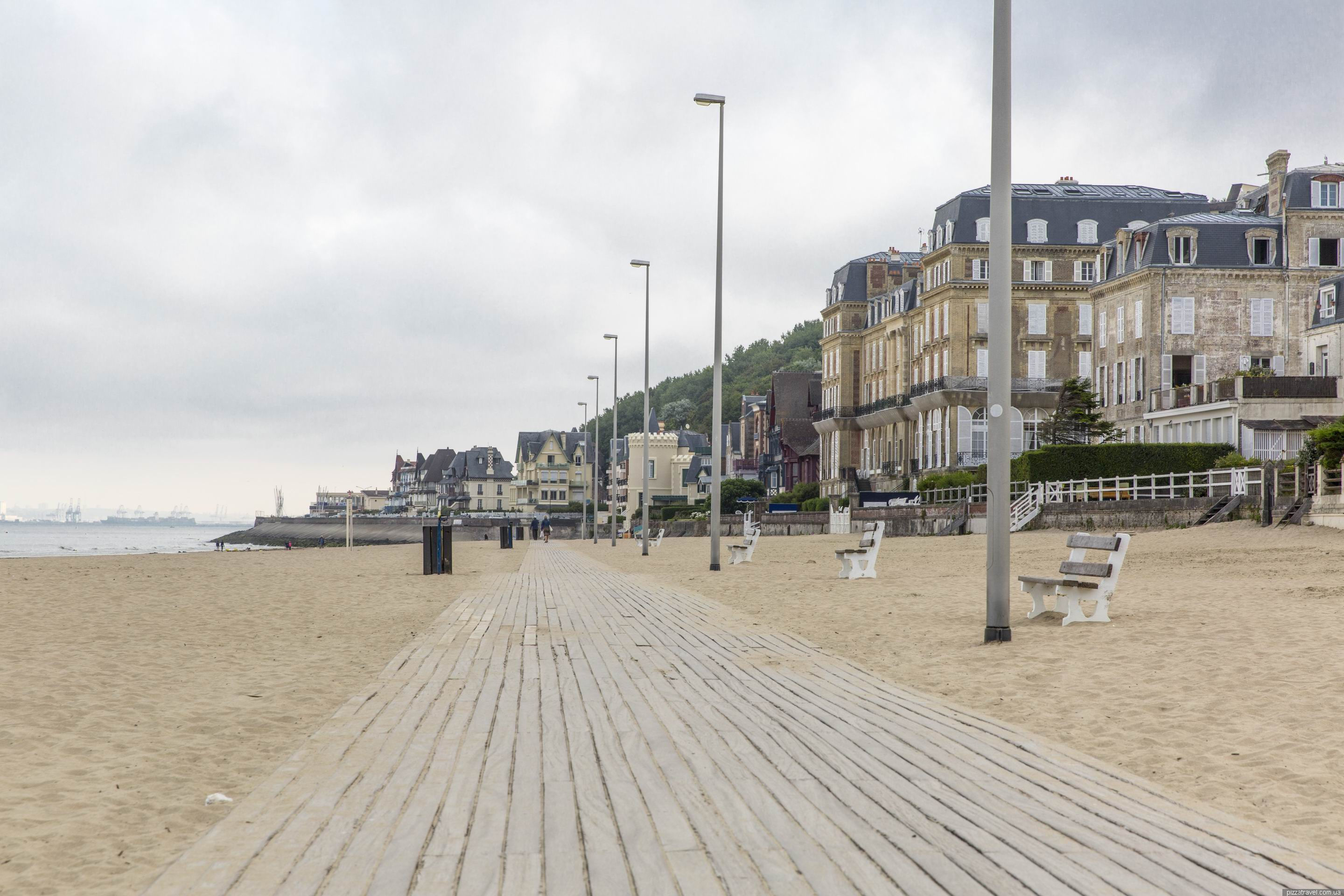 deauville and trouville france blog about interesting places. Black Bedroom Furniture Sets. Home Design Ideas