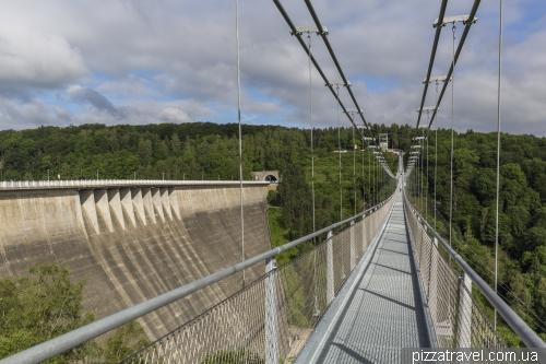 Suspension bridge Titan-RT
